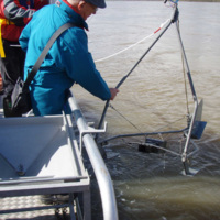Jean Jacques Peters collecting sediment transport data on the Loire river